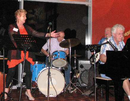 From L: high-energy singer Renée Rundell, Allan Smith (dms), Ivan Videcky (dec.)(bs) and Grahame Taylor (piano).