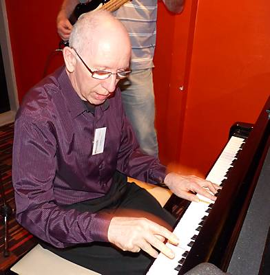 Highly-esteemed club member John Hoare has been vigorously tickling the ivories and singing for appreciative audiences from clubs and pubs to nursing homes, for a life-time os pleasure.