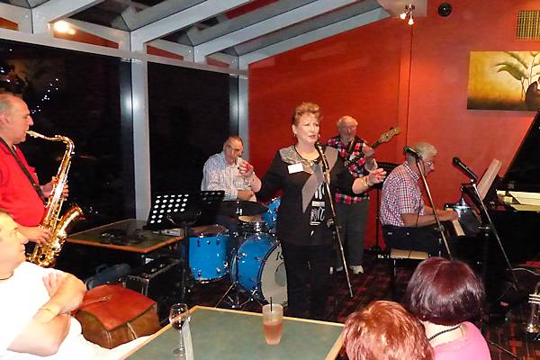 Songbird Renée Rundell (centre), backed by (from L:) Alto sax player Barrie Boyes, drummer Allan Smith, electric bass player Ivan Videky (now sadly passed on), and pianist Grahame Taylor. November.