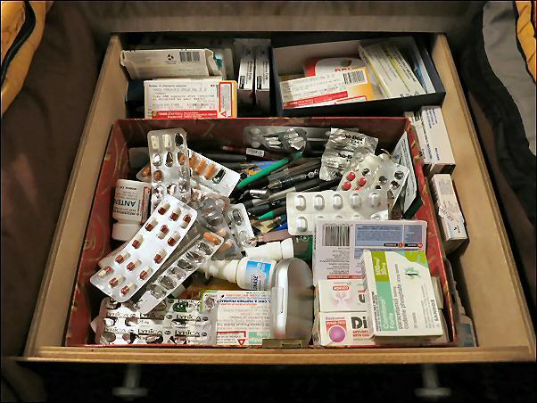 f_bill's_medicines_etc_602px1_IMG_3732